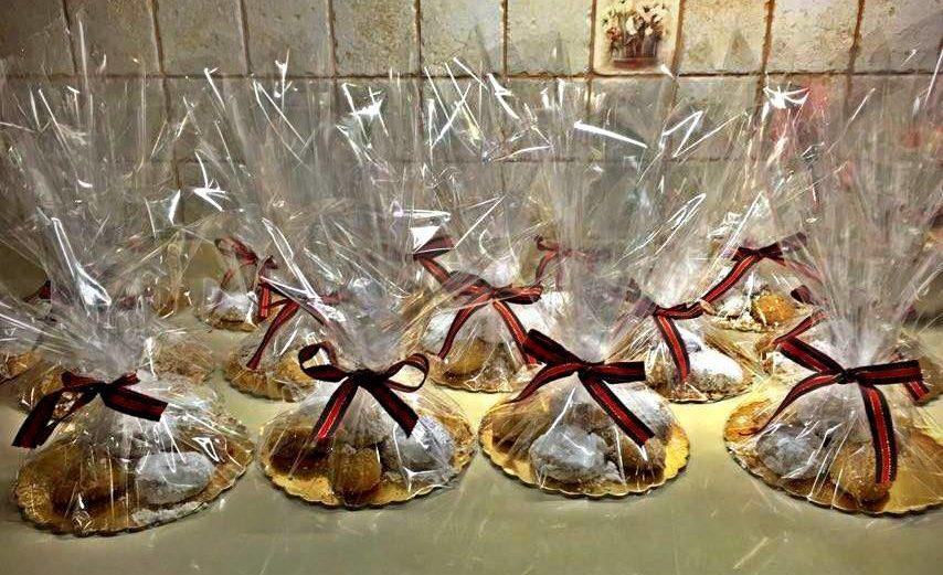 Κατασκευή γλυκών και δώρων για τα Χριστούγεννα Μαγουλάς