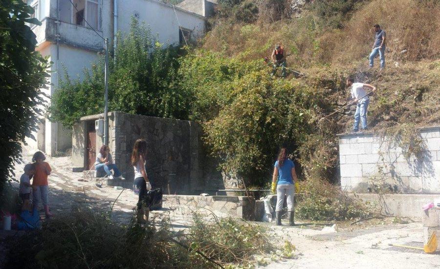 Καθαρισμός χωριού από τον Πολιτιστικό Σύλλογο Μαγουλά