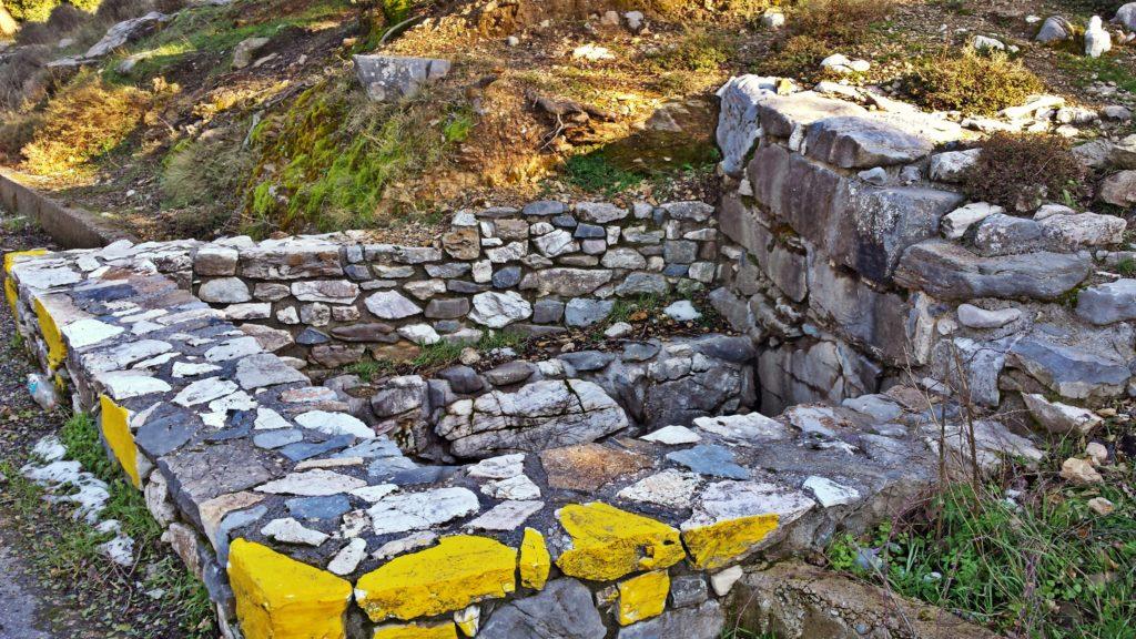 Μινωικός Τάφος Μαγουλά- Minoan tomb of Magoula's village
