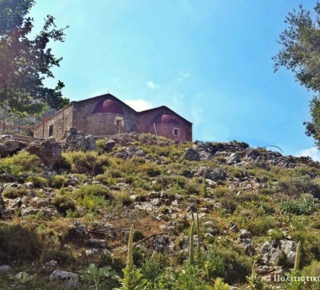 Οι δυο εκκλησίες από το δρόμο- Approaching the two churches