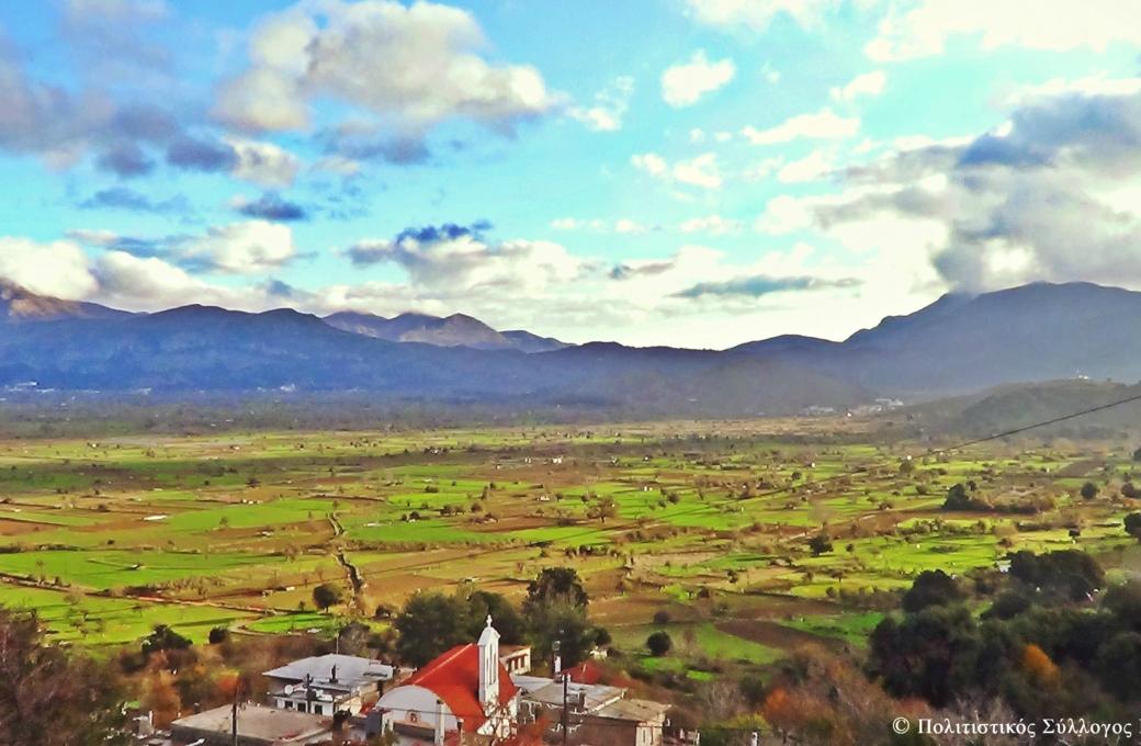 Η θέα του λασιθιώτικου κάμπου από το χωριό Μαγουλά (αυγή)- The view of lasithi plain from Magoula village (dawn)
