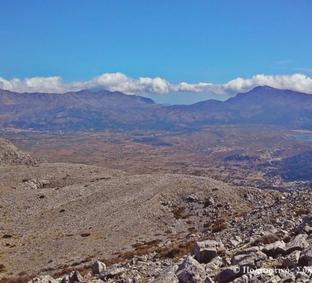 Η θέα του λασθιθώτικου κάμπου από την Κορφή της Μάχα- The view of lasithi plain from Maha's peak