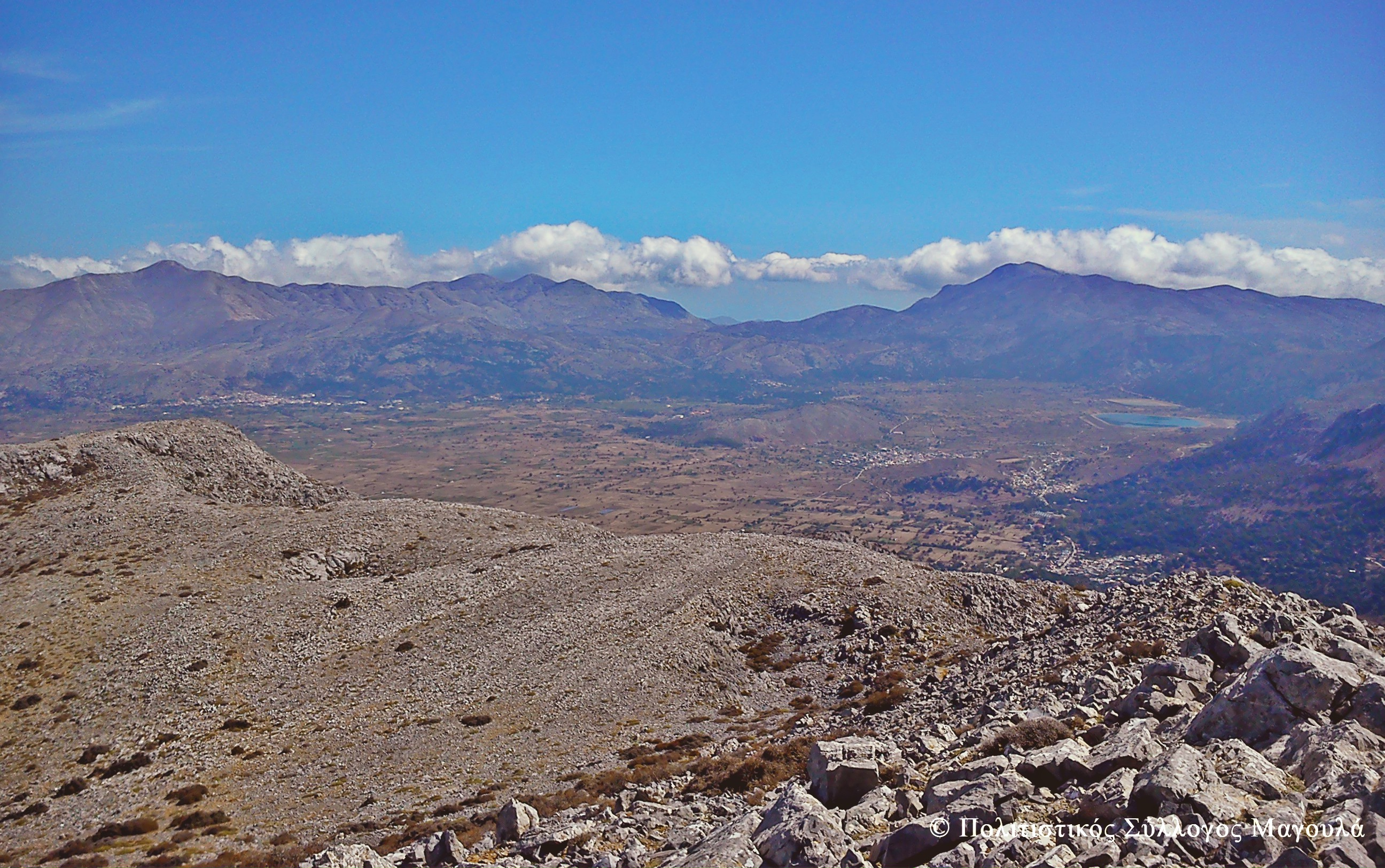 Η θέα του λασιθιώτικου κάμπου από τη Κορφή της Μάχας- The view of lasithi plain from the area of Maha