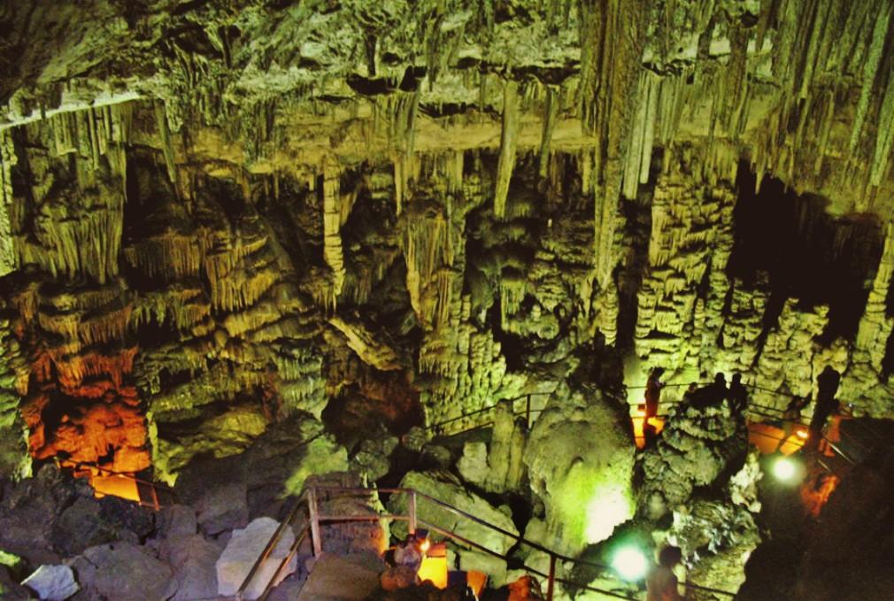 Το εσωτερικό της σπηλιάς του Δικταίου Άντρου- Inside the Dictaean Cave