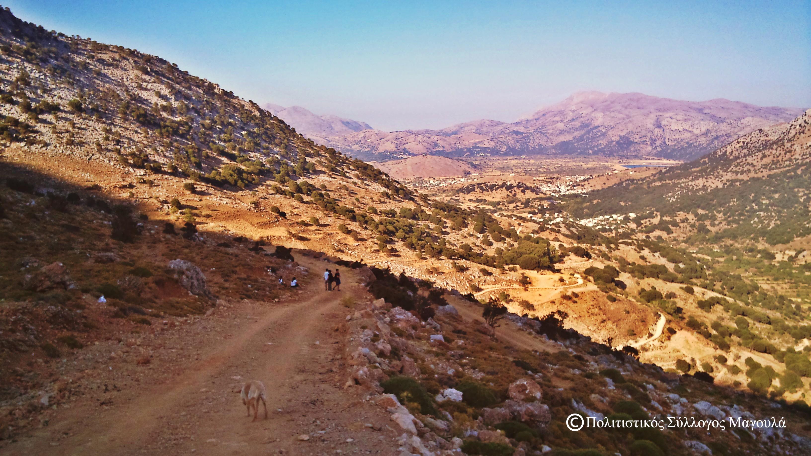 Κατάβαση από τη Μάχα προς το Μαγουλά- The road from Maha to Magoula